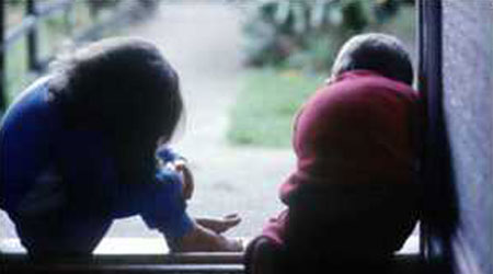 الاجهاد النفسى للطفل يزيد فرصة ادمانه فيما